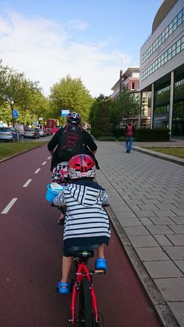 Heading along the S100 towards Scheveningen
