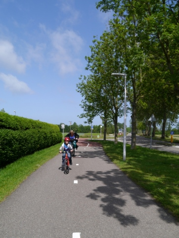 Typical cycle path in Wassenaar