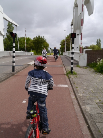 Crossing the Oude Rijn