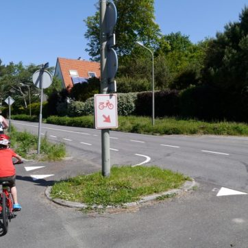 One of the few examples where mopeds are directed off the cycle path