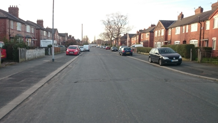 Wide road, but everyone pavement parks
