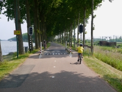 Passing through the barriers on Kanaaldijk West
