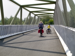 Cycle bridge over A2 motorway