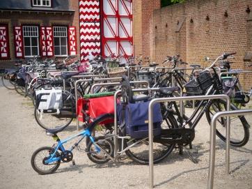 Cycle parking at De Haar Castle