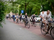 Commuters leaving Utrecht on Amsterdamsestraatweg