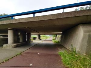 Underpass with plenty of light and a clear view of the exit