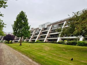 Modern apartment block in Zoetermeer, reminds me a little of London's Alexandra Road estate
